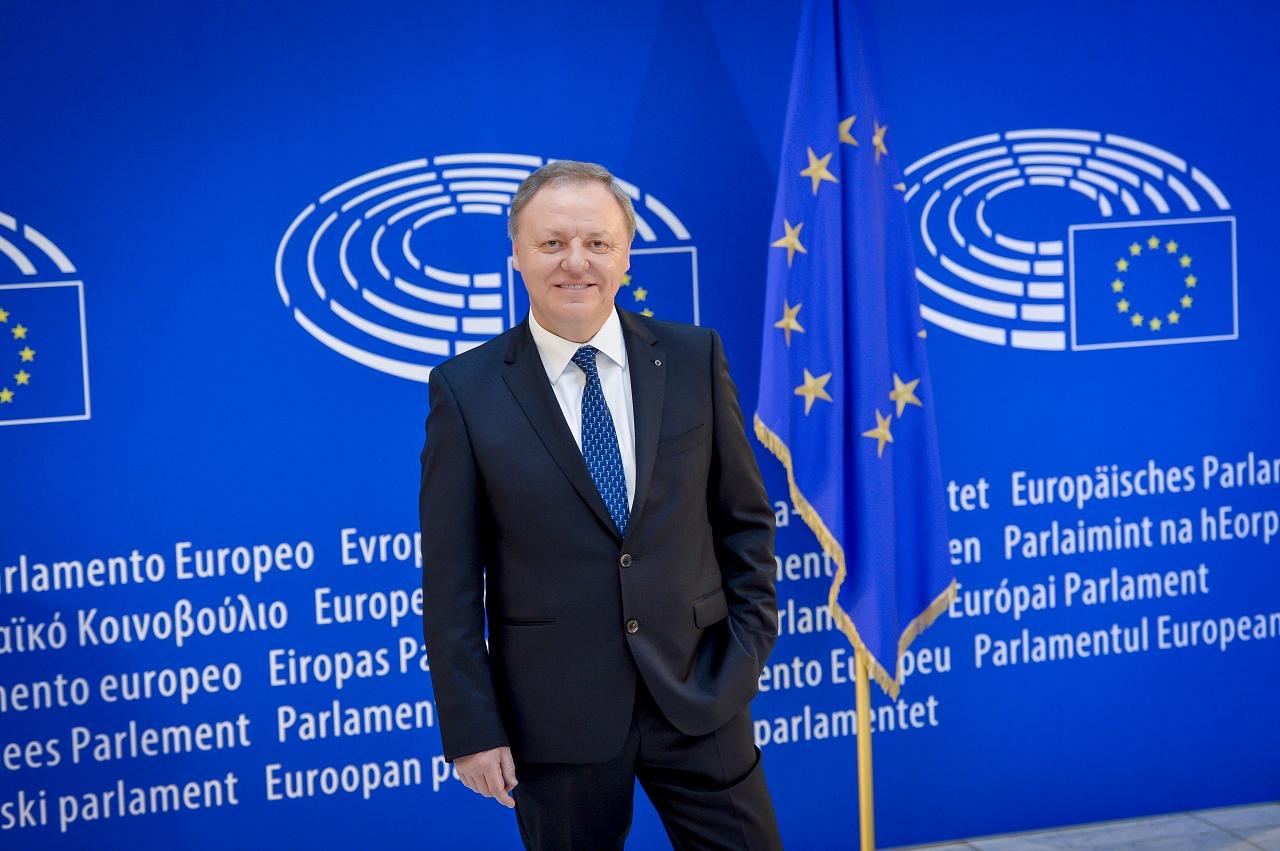 Sergio Berlato Deputato italiano al Parlamento europeo: